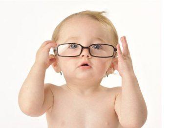 Bổ sung dinh dưỡng cho đôi mắt trẻ sáng khỏe